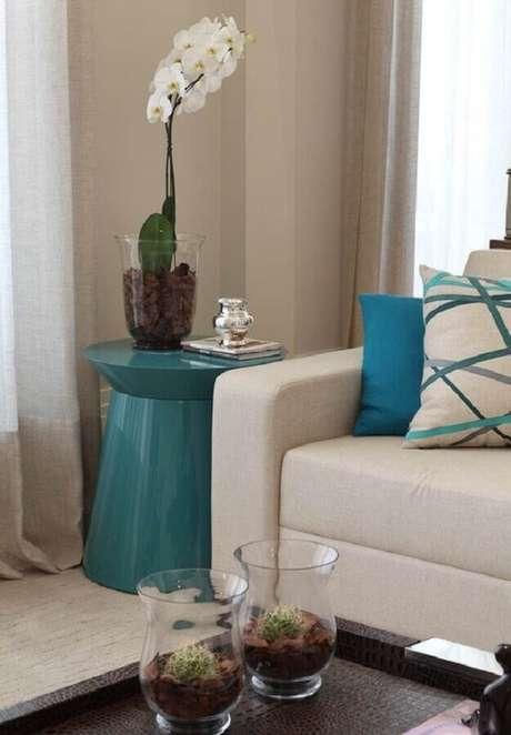91. Decoração azul Tiffany para sala com sofá branco – Foto: Arteblog