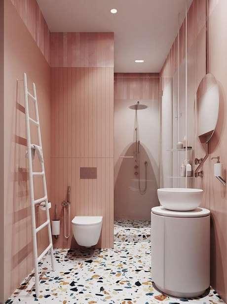 13. Piso granilite para banheiro cor de rosa – Via: Pinterest