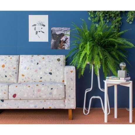 20. Sofá com estampa granilite na sala moderna – Via: Pinterest