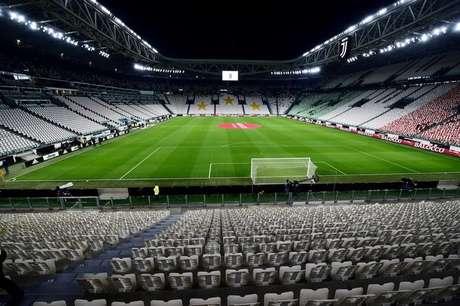 Assentos vazios no Allianz Stadium, da Juventus, antes de partida a portas fechadas 08/03/2020 REUTERS/Massimo Pinca/