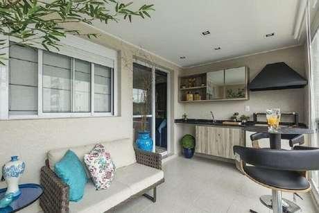 10. Decoração de apartamento com área gourmet pequena e simples – Foto: Ricardo Lopez