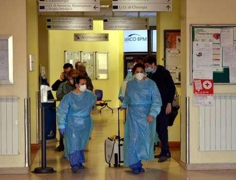 O sistema de saúde italiano está sobrecarregado em diversas cidades do país