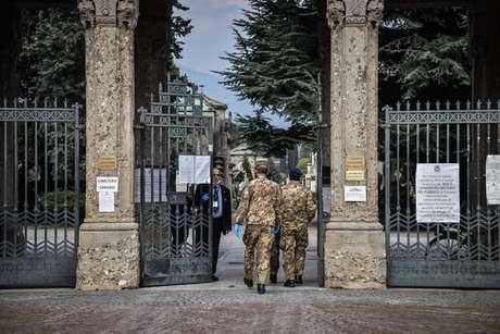 Funeral de vítima de coronavírus em Bergamo