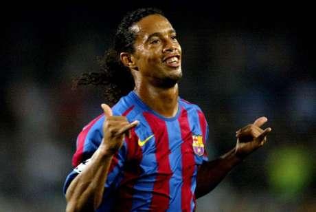 Ronaldinho fez história com a camisa do Barcelona (Foto: CESAR RANGEL / AFP)