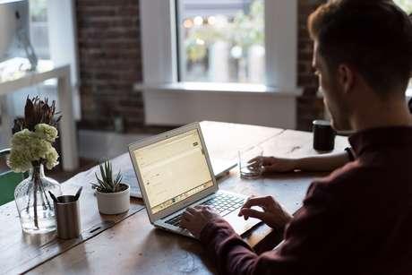 Locação de computadores para home office explode com coronavírus