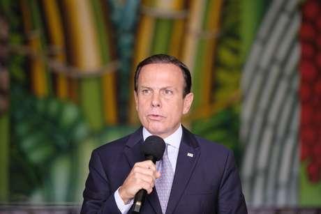O governador de São Paulo, João Doria, participa de entrevista coletiva sobre medidas no combate ao coronavírus