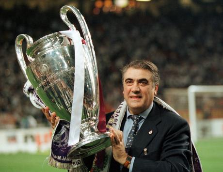 Lorenzo era o presidente do clubes nas Champions de 1998 e 2000 (Foto: Divulgação/Fernando Sanz)