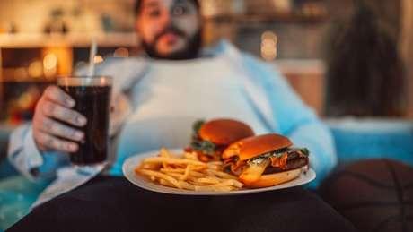 As comidas ricas em gorduras não promovem uma sensação de saciedade, segundo Alexandre Benani, que participou do estudo