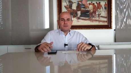 O prefeito de Fortaleza, Roberto Cláudio, anunciou ter contraído coronavírus