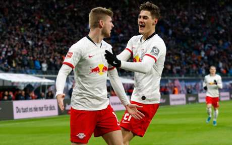 Patrik Schick e Timo Werner podem ter futebol inglês como destino (Foto: ODD ANDERSEN / AFP)
