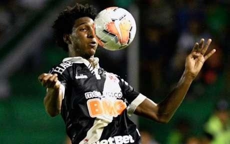 Talles atualmente está lesionado, mas atuou em sete partidas neste ano (Foto: AIZAR RALDES / AFP)