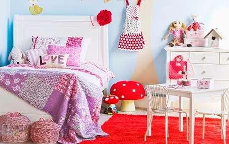 9. Colcha de retalhos rosa para um quarto infantil – Foto: Via Pinterest