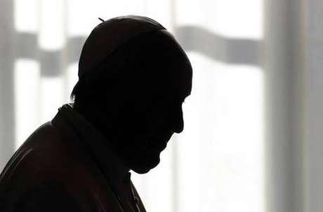 Papa tem celebrado suas missas por streaming por causa do isolamento