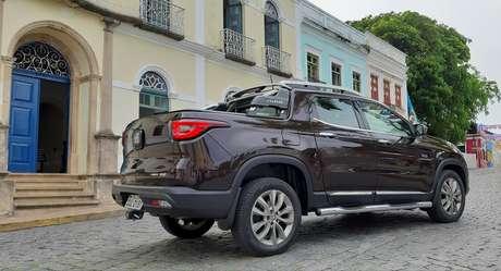 A Toro numa das ruas de Olinda: design chamou a atenção das pessoas.