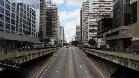 Presidente criticou medidas como o fechamento do comércio, que esvaziaram marcos como a avenida Paulista, em São Paulo