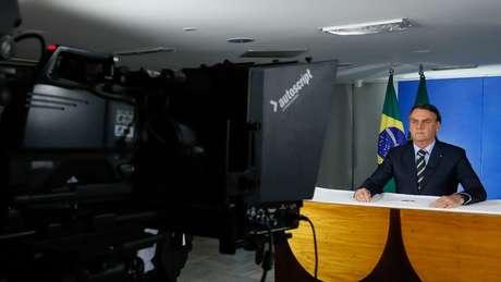 Jair Bolsonaro em pronunciamento em que criticou atos de alguns governadores