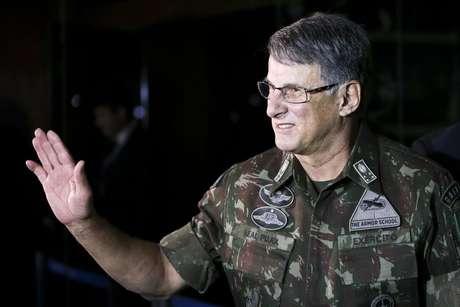 O comandantes do Exército, general Edson Pujol