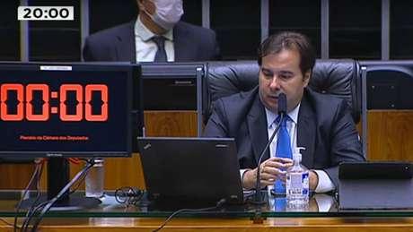 Rodrigo Maia durante a primeira sessão virtual da Câmara. Ele e alguns parlamentares estavam na Casa