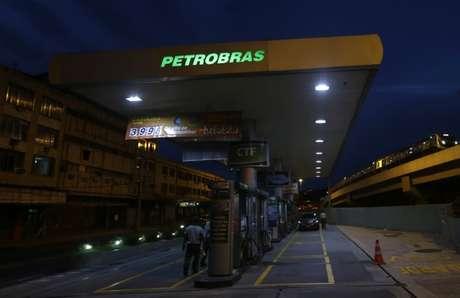 Posto de combustíveis no Rio de Janeiro (RJ)  03/03/2016 REUTERS/Ricardo Moraes