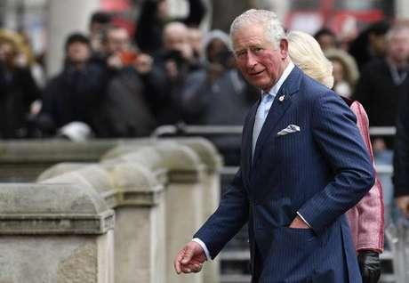 Príncipe Charles é o primeiro na linha de sucessão do trono britânico