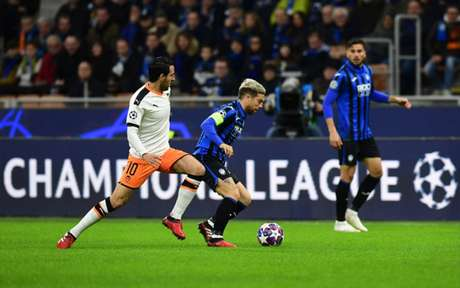 Atalanta e Valencia se enfrentaram em Milão no dia 19 de fevereiro (Foto: Miguel MEDINA / AFP)