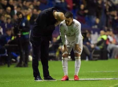 Hazard balançou as redes somente uma vez com a camisa do Real Madrid (Foto: JOSE JORDAN / AFP)