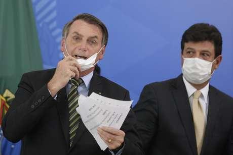 Jair Bolsonaro e Luiz Henrique Mandetta durante entrevista coletiva