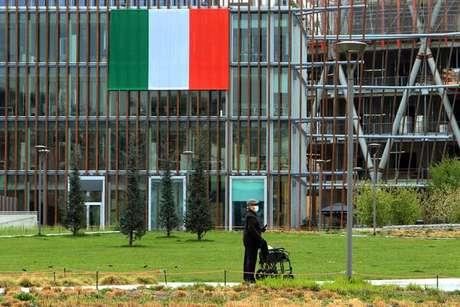 Defesa Civil de Itália defendeu o isolamento domiciliar e distanciamento social