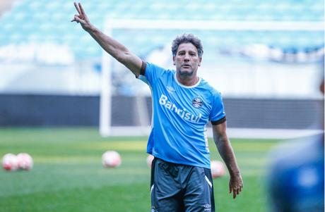 Renato Gaúcho vê necessidade de mais uma pré-temporada (Foto: Divulgação/Lucas Uebel)