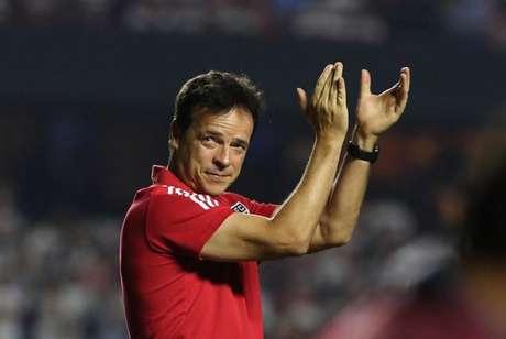 Diniz valorizou a postura dos dirigentes do São Paulo com os jogadores do elenco (Foto: Rubens Chiri/saopaulofc.net)