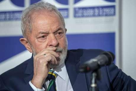 Lula usou as redes sociais - em vídeo e texto - para criticar Bolsonaro