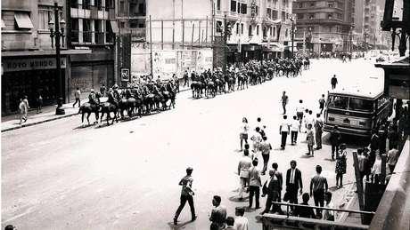 Brasil durante ditadura militar, quando houve a mais grave epidemia de meningite de sua história