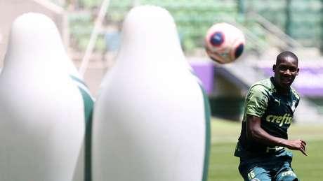 Patrick de Paula mostrou qualidade batendo faltas nas categorias de base do Verdão (Agência Palmeiras/Divulgação)