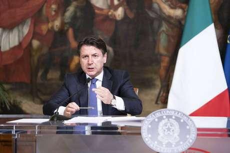 Giuseppe Conte fez uma live para anunciar as novas medidas