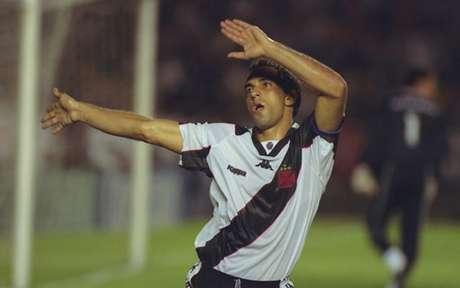 Edmundo marcou três gols na goleada (Foto: Divulgação)