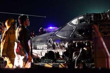 Avião explodiu ainda na pista, de acordo com testemunhas