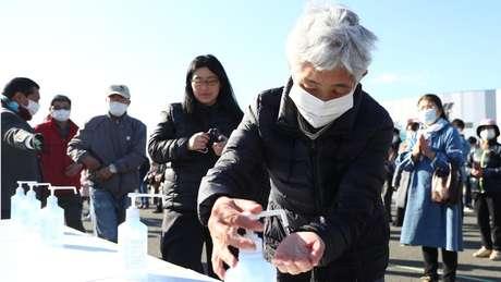 Japão não proibiu aglomerações, mas rastrearam infectados e isolaram grupos doentes