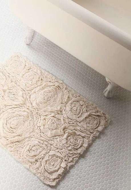 3. Modelo de tapete de retalho simples para o banheiro. Fonte: Pinterest