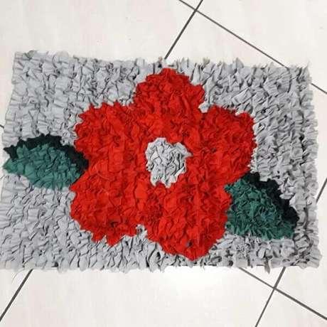 26. Tapete de retalhos com desenho floral. Fonte: Ateliê Jaquicelli