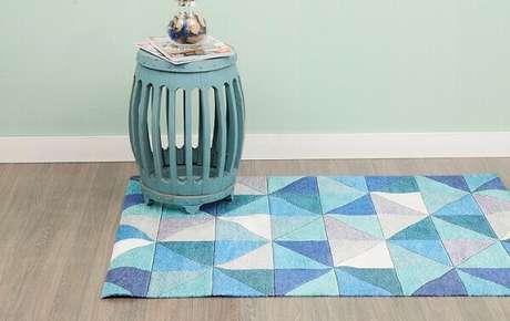 18. Tapete de retalhos em tons de azul, branco e cinza. Fonte: Pinterest