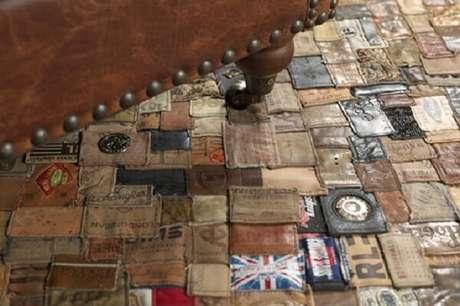 77. Tapete de retalhos feita com etiqueta de roupas. Fonte: Pinterest