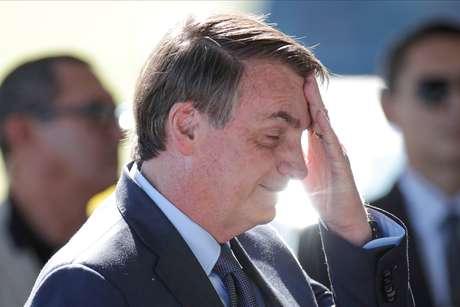 Presidente Jair Bolsonaro na saída do Palácio da Alvorada 01/04/2020 REUTERS/Ueslei Marcelino
