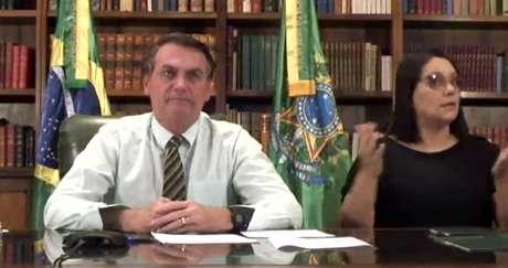 """Presidente afirmou que falta """"humildade"""" para Mandetta conduzir a crise"""