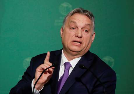 O primeiro-ministro húngaro, Viktor Orban, fala durante uma conferência de negócios em Budapeste, Hungria. 10/03/2020. REUTERS/Bernadett Szabo.