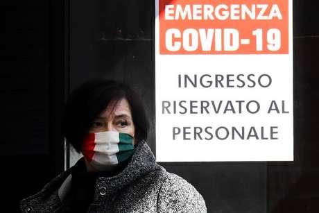 O governador vai impor o uso de máscaras para cobrir o nariz e a boca em toda a região