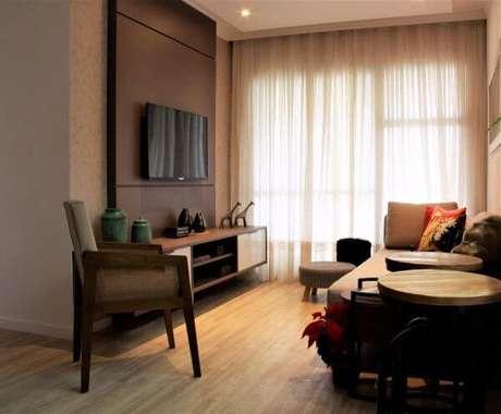 78. Painel para tv na sala de estar pequena – Projeto: Avner Posner