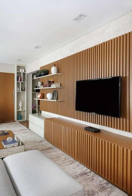 84. Painel para tv de madeira – Projeto: Milena Bomediano