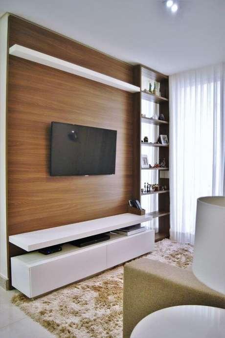 11. Painel de madeira para tv – Projeto: Priscila Fernandes