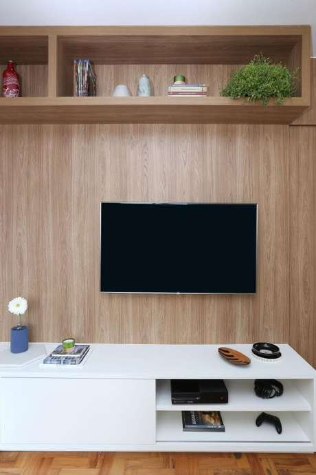 13. Decoração de sala de estar com rack branco e painel para tv – Projeto: Arquiteto em casa