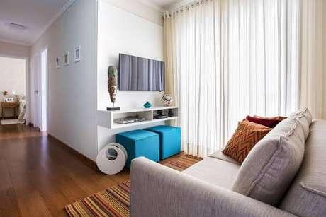 9. Siga todas as recomendações para ter um painel para sala de tv branco sempre impecável – Projeto: Luciane Mota